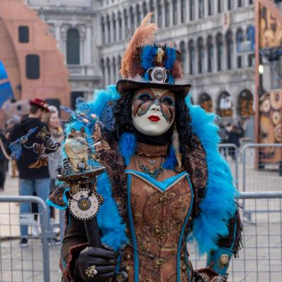 Venetians celebrate carnival - Venice Carnival. Venice, Italy - 27 February 2019.Les vénitiens fêtent le carnaval - Carnaval de Venise. Venise, Italie - 27 février 2019.