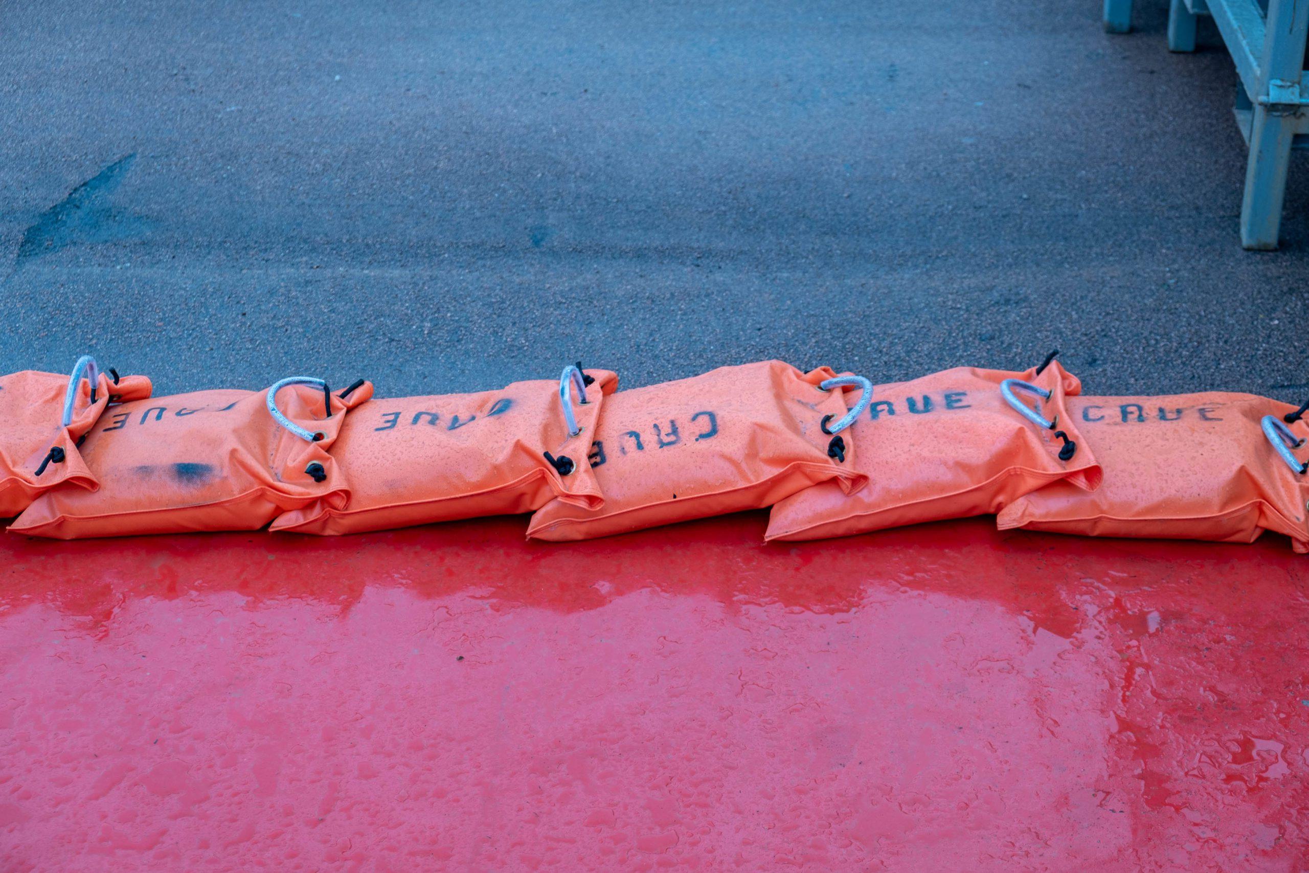 In Chalon-sur-Saone (71), the town has installed its anti-flood system. Chalon-sur-Saone, 06 February 2021. Florian Jannot-Caeilleté / APJ / Hans Lucas.A Chalon-sur-Saone (71), la ville a installé son système anti-crue. Chalon-sur-Saone, 06 février 2021. Florian Jannot-Caeilleté / APJ / Hans Lucas.